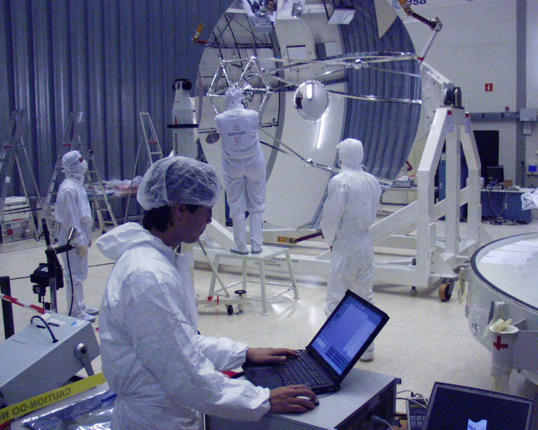 Preparations for a M1-M2 distance confirmation measurement on the Herschel flight telescope.