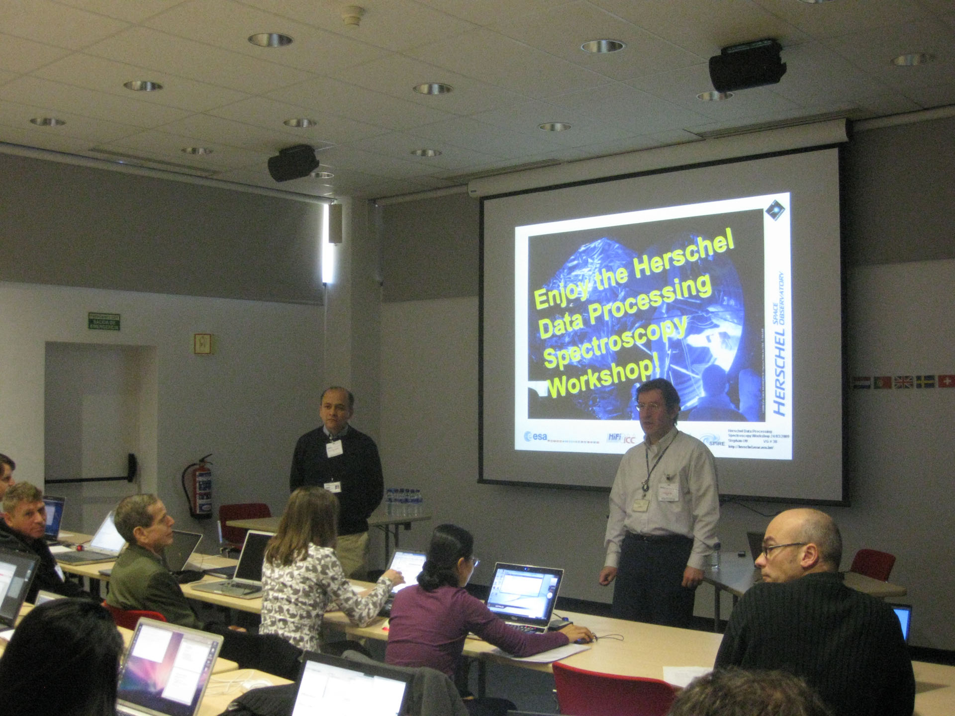 Herschel 'hands-on' data processing workshops