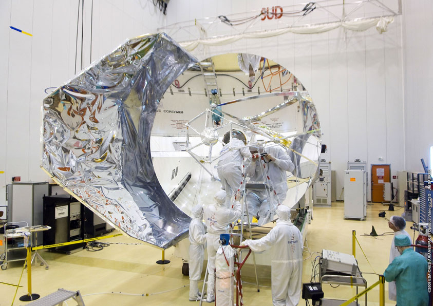 Herschel telescope under cleaning process at the Spaceport