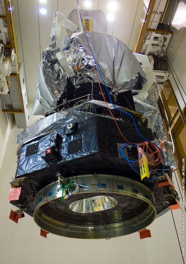 Herschel spacecraft integrated onto the Ariane 5 ECA launcher