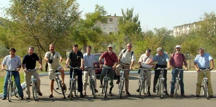 INTEGRAL scientists/cyclists in Baikonur (Kazachstan) in 2002...